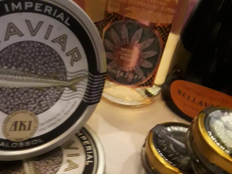 Caviar Imperial und Champagner